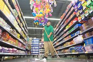 El Supermercado de Walmart - Photo Andrea bloom - The Arizona Republic