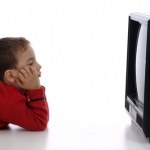 When it comes to a kid's television-viewing habits, the mom's language can matter.